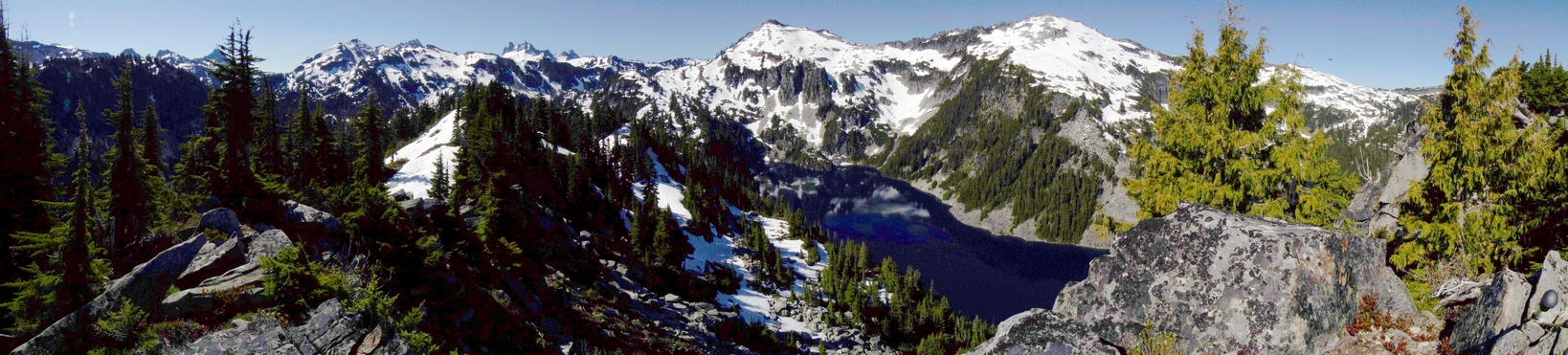 big heart lake panorama from point 5359 in alpine lakes wilderness, wa