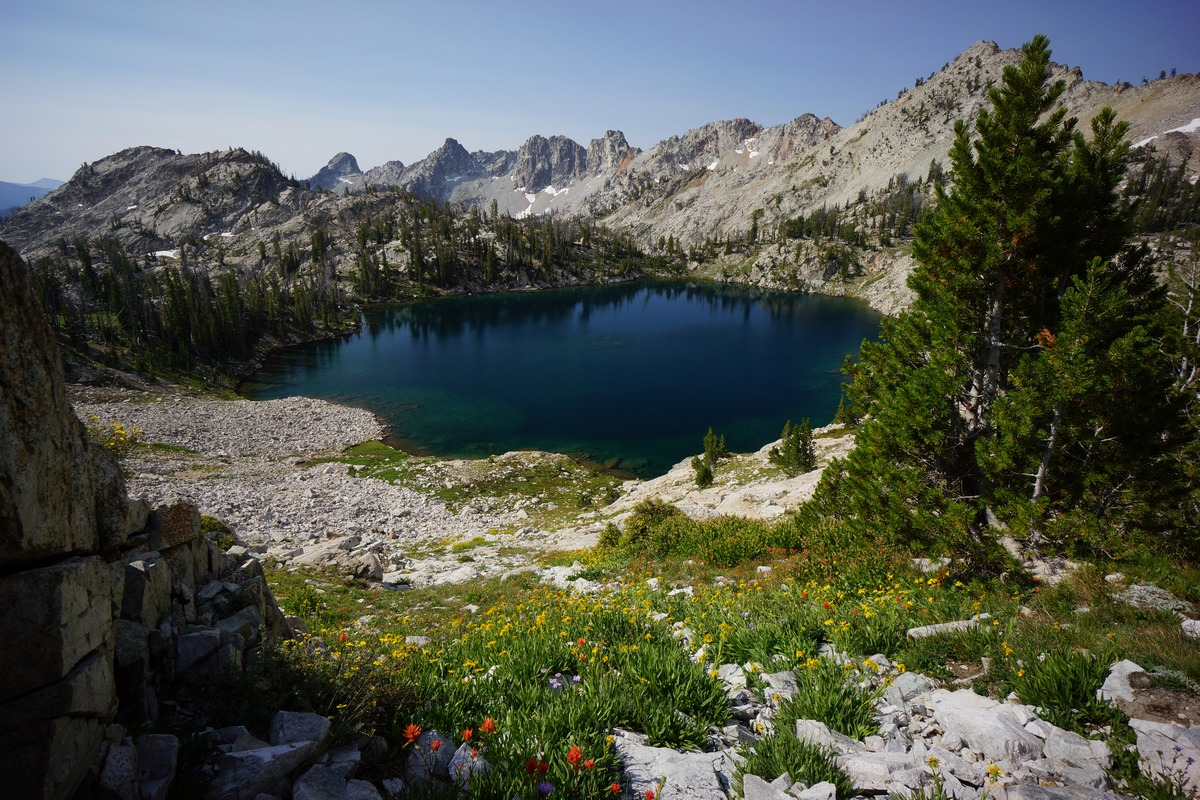 sawtooth wilderness lake 9167 in alpine creek basin