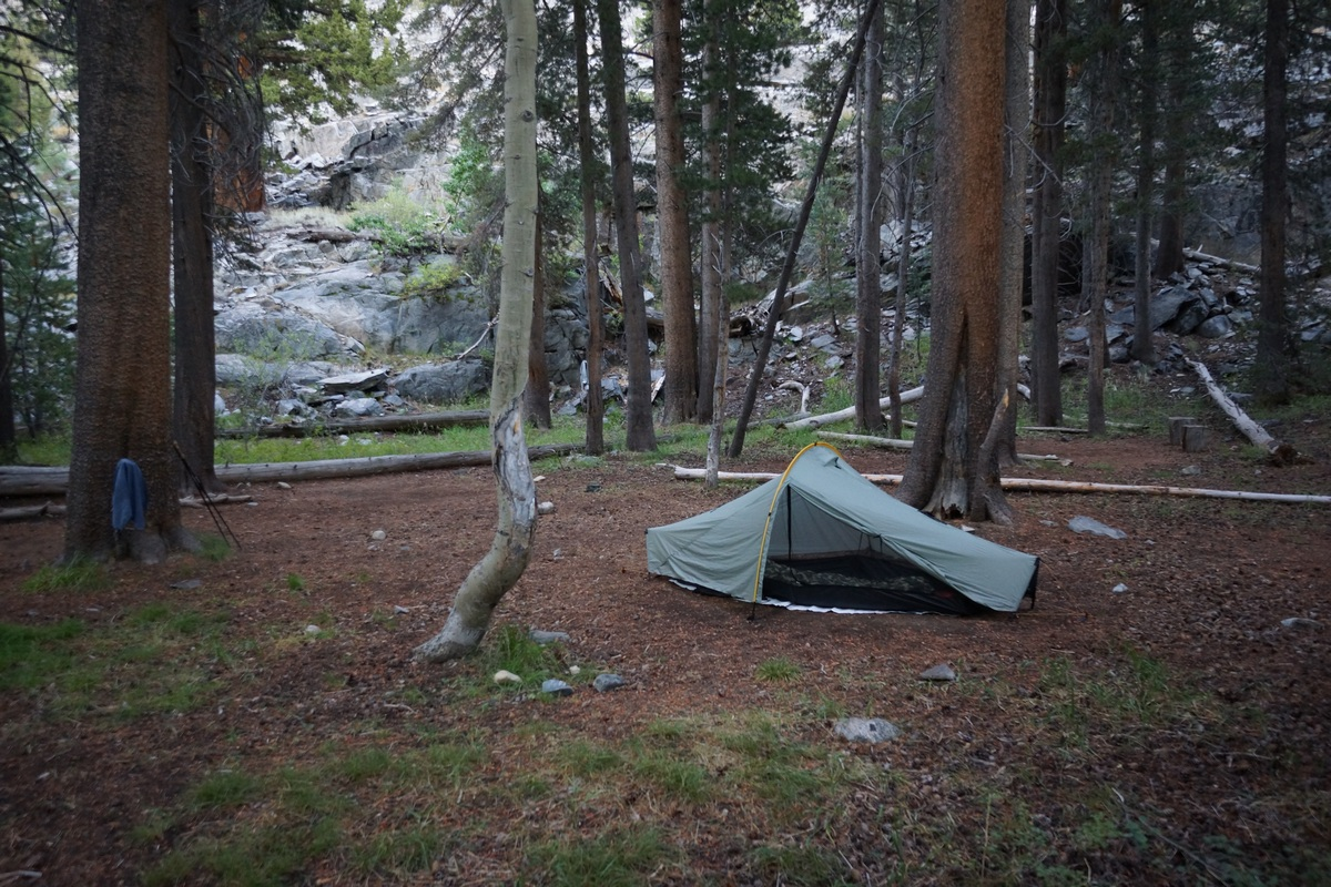 campsite along the john muir trail along the san jaquin river