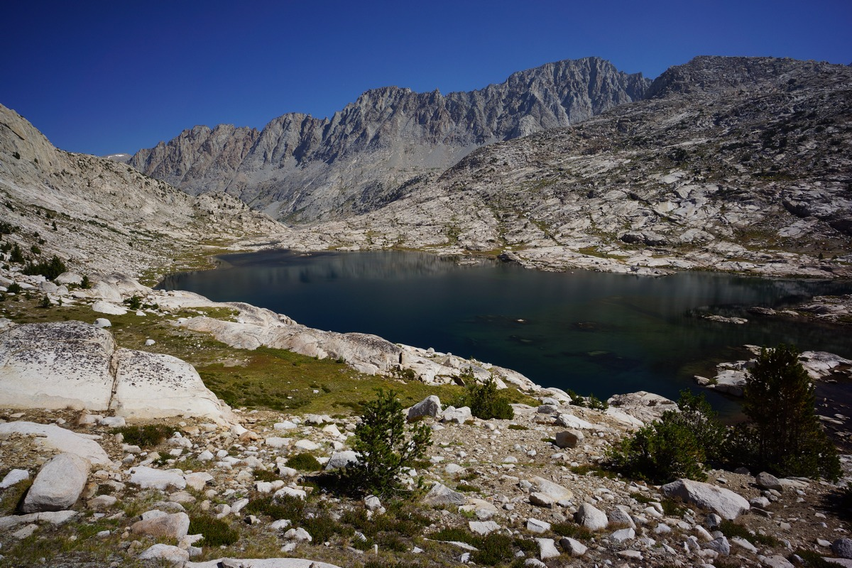 view of sapphire lake in kings canyon national park