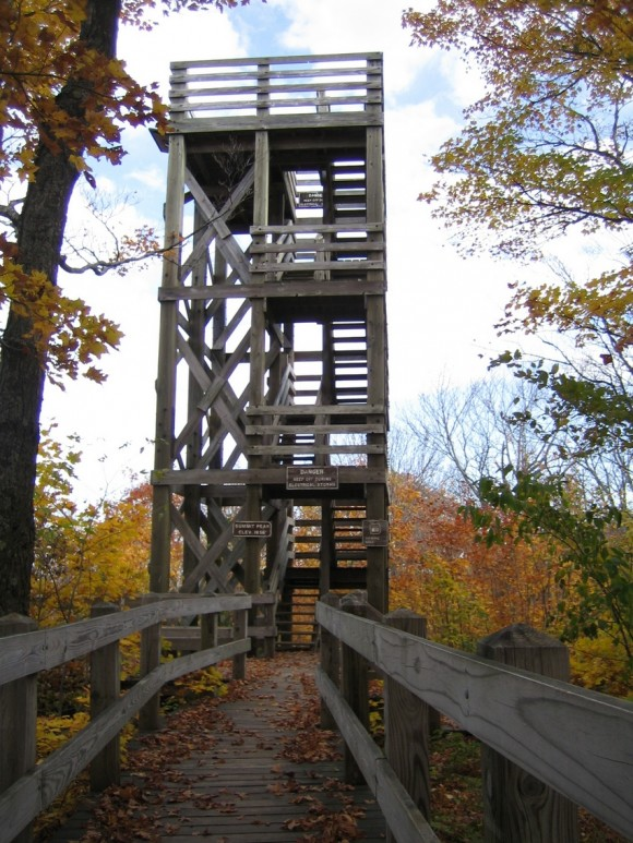 porcupine mountains observation tower at summit peak