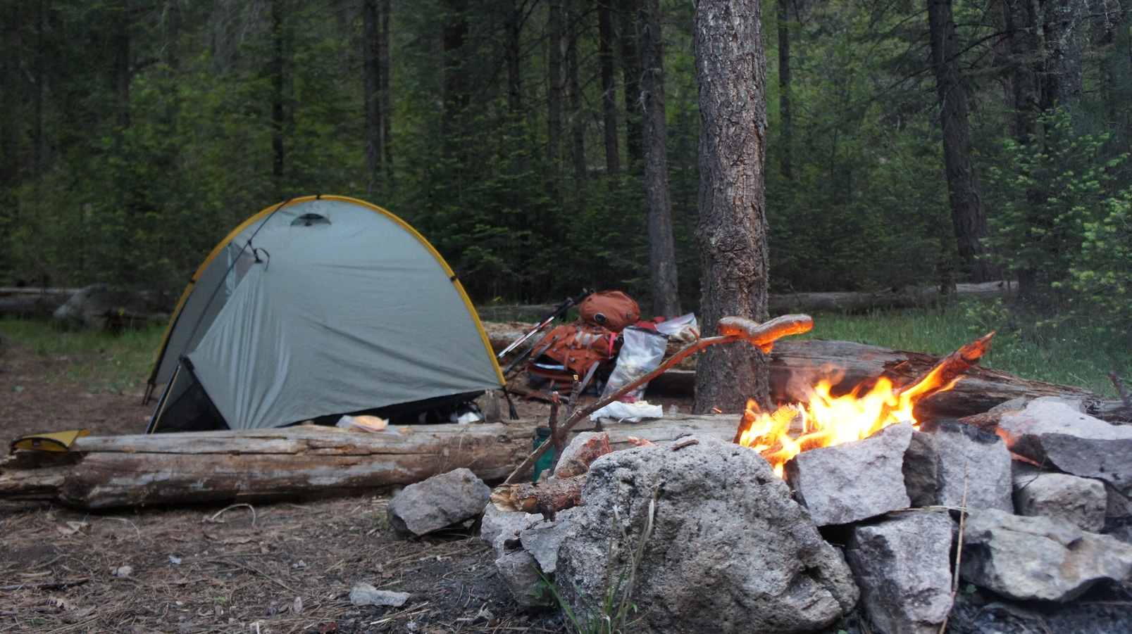 Cooking without a stove - Backpacking Without A Stove Italian Sausage Cooked Over Fire