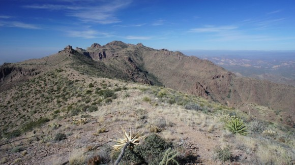 one of the flatter sections of the superstition ridgeline trail